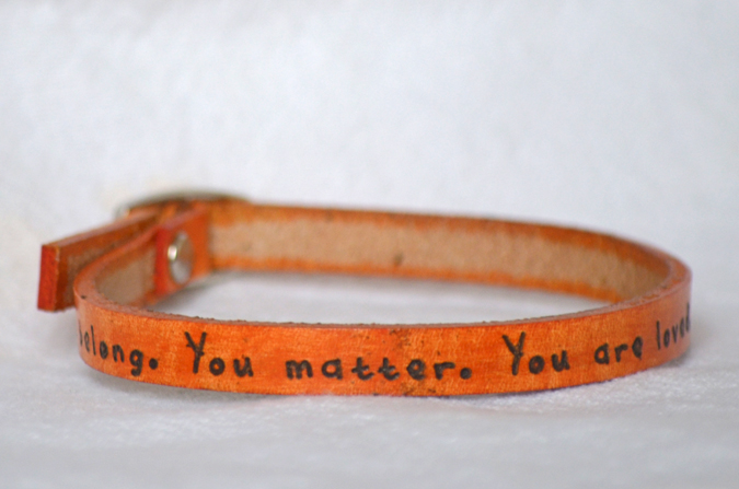 bracelet_orange-you_belong_675x450